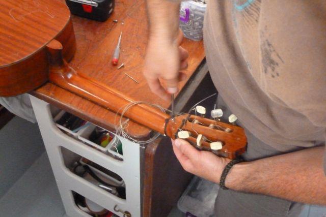 Gitarrenreperatur