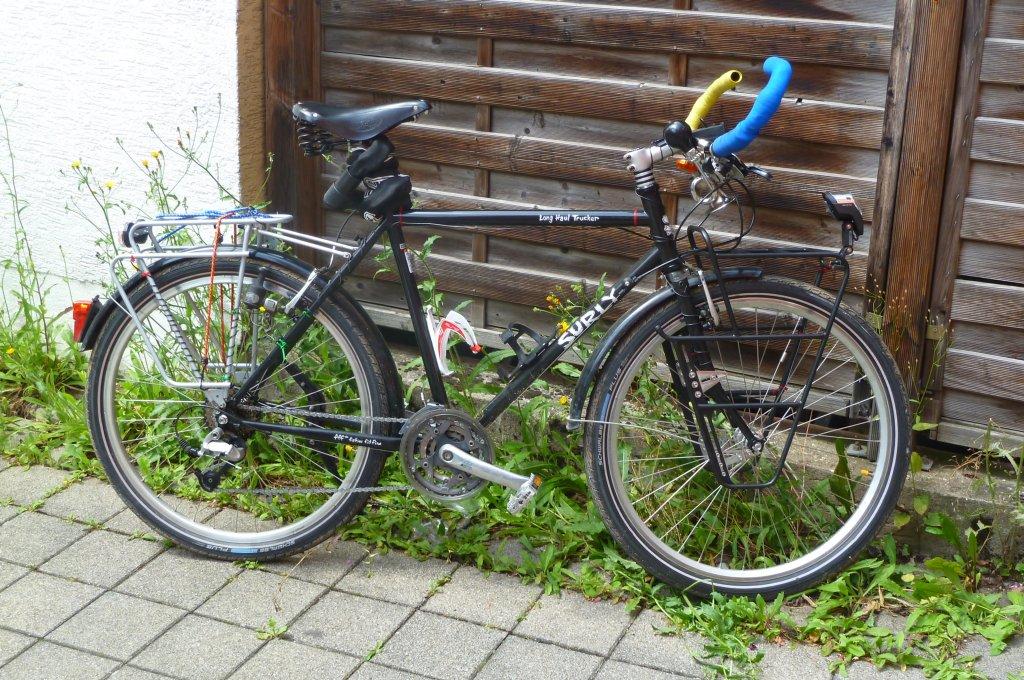 Das ist Arnes Fahrrad, mit dem er hoffentlich nicht umfaellt !