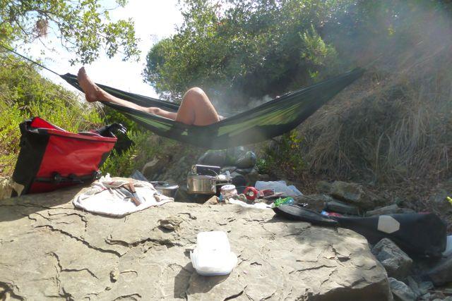 Hängemattenchillen im trockenen Flussbett vor Tanger